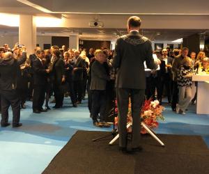 Burgemeester Amstelveen: 'Luister naar elkaar en steek niet de middelvinger op'